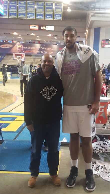 Mark Sills with Reno Bighorns NBA Development League Player 7-foot, 5-inch tall Sim Bhullar at The Bob Carpenter at Univ of DE Pro Basketball Game